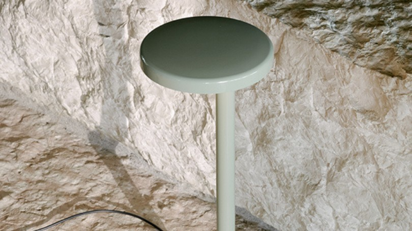 luminaire lampe de table oblique flos